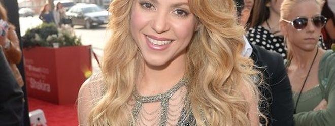 «En raison d'un conflit de planning, le concert de Shakira initialement prévu pour le 11 novembre 2017 sera décalé au 04 décembre.»