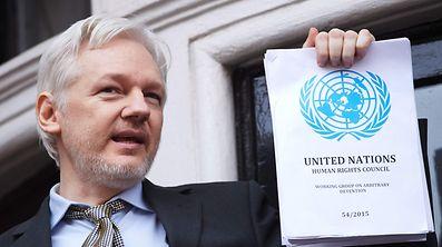 Julien Assange hatte angekündigt, sich im Falle einer Begnadigung von Chelsea Manning an die USA ausliefern zu lassen.