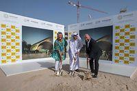 (de g. à dr.) : Maggy Nagel, Commissaire Générale du Pavillon luxembourgeois ; Najeeb Mohammed Al-Ali, Directeur exécutif du Bureau de l'Expo 2020 Dubaï ; Étienne Schneider, Vice-Premier ministre, ministre de l'Économie