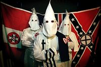 Die wohl bekannteste Gruppierung ist der Ku-Klux-Klan.