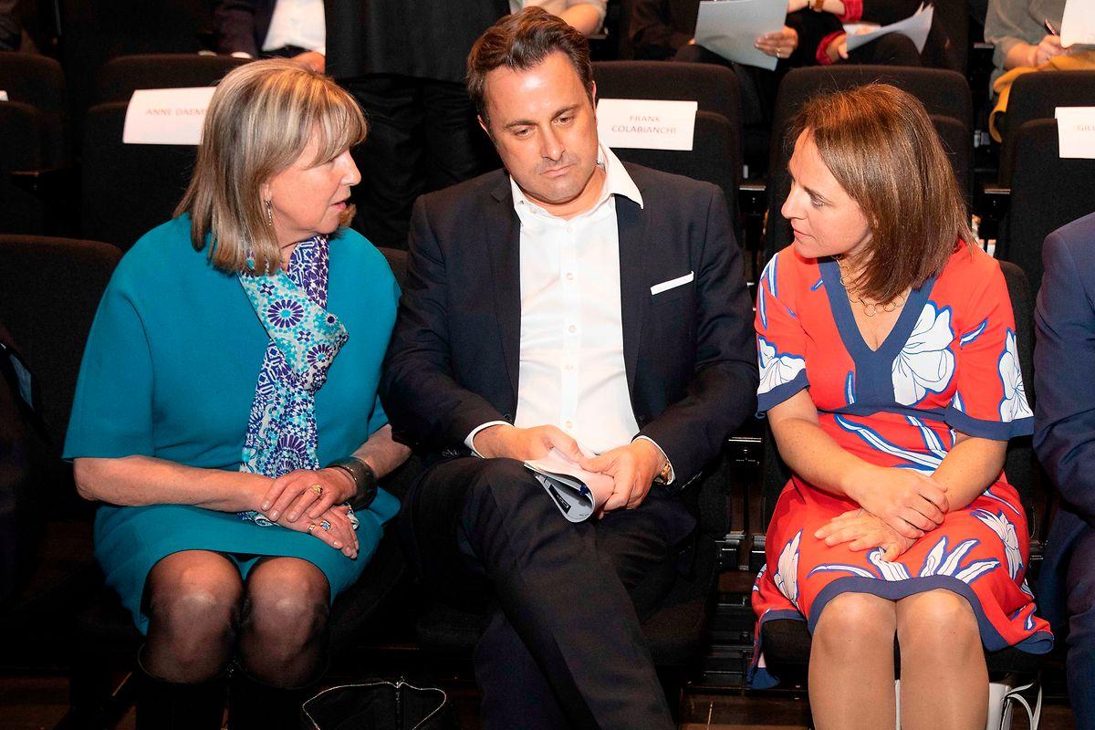 Lydie Polfer, Xavier Bettel und Corinne Cahen im Gespräch.