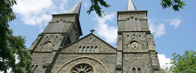Die Pfarrkirche von Düdelingen.