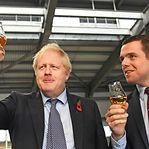 Deputado britânico demite-se em protesto contra assessor de Boris Johnson