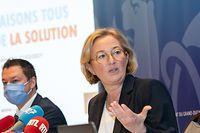 Paulette Lenert geht bei der Pressekonferenz über das Large Scale Testing auch auf die diversen Geschichten rund um die Hôpitaux Robert Schuman ein.