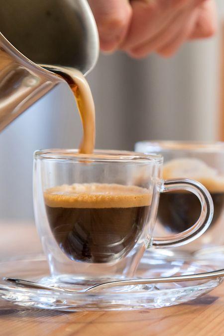 Eine Flüssigkeit wie jede andere:Kaffee entzieht dem Körper kein Wasser, auch wenn das oft behauptet wird.