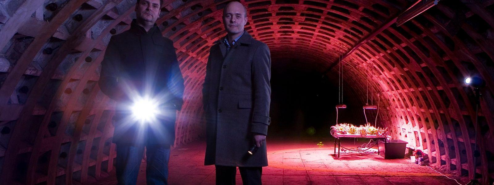 """Steven Dring und Richard Ballard in """"ihrem"""" Bunker."""