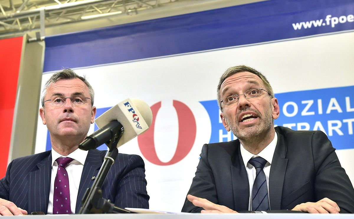 Norbert Hofer (l), designierter FPÖ-Parteichef, und Herbert Kickl (FPÖ).