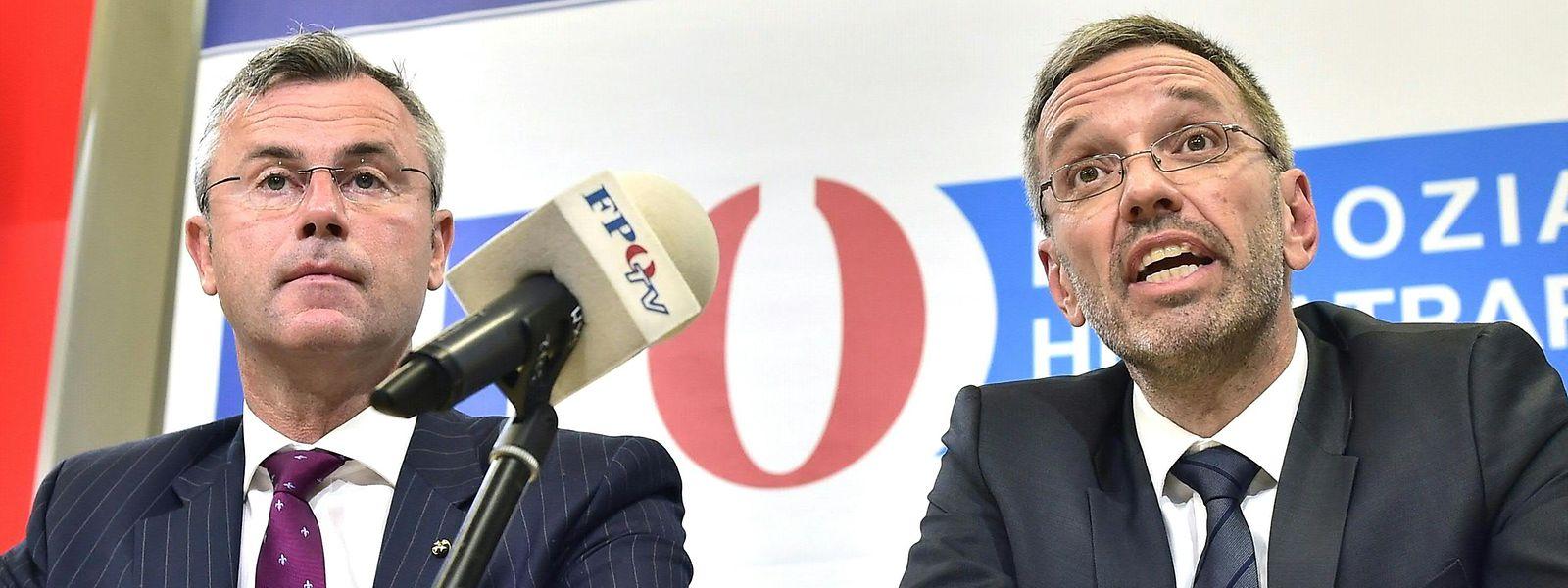 Norbert Hofer, chef désigné du FPÖ et Herbert Kickl assurent que le limogeage du dernier par le chancelier Kurz aboutira au départ de tous les ministres d'extrême droite de la coalition en place à Vienne.