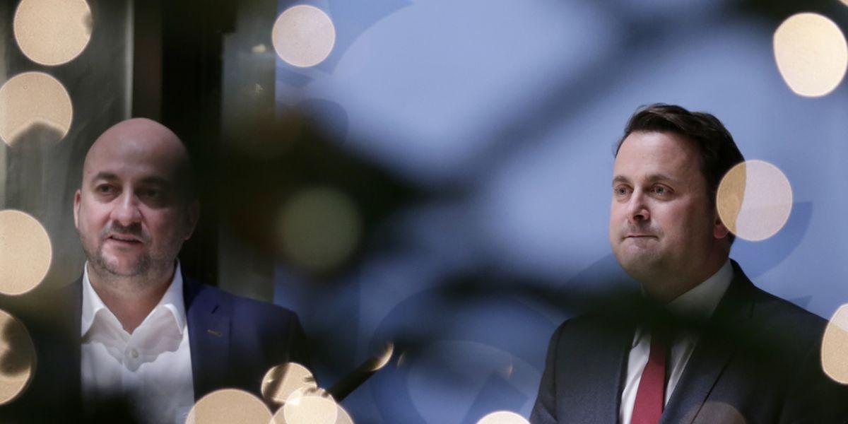 Etienne Schneider et Xavier Bettel lors d'un point presse improvisé ce lundi soir au ministère d'Etat