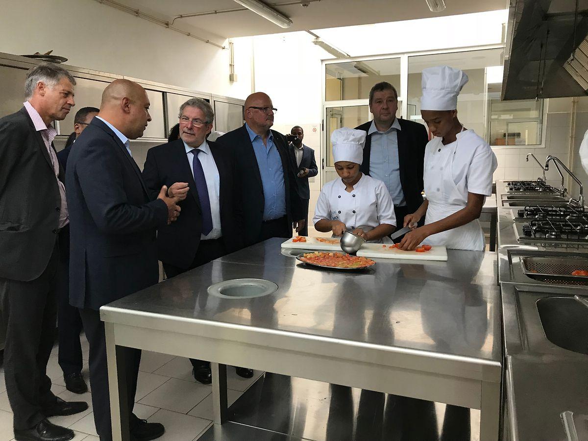 Mas di Bartolomeo visitou esta terça-feira a Escola de Hotelaria e Turismo, na cidade Praia, projeto financiado pelo Luxemburgo.