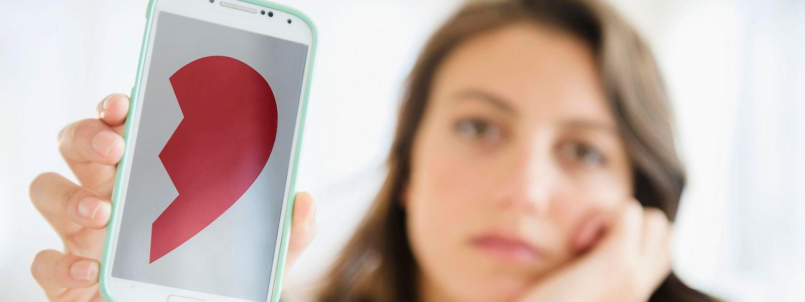 Vielen Beziehungen tut die Kommunikation über das Smartphone gar nicht gut.