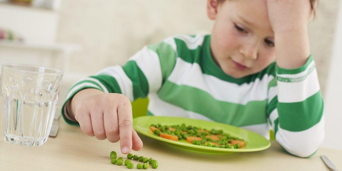 Schluss mit der Erbsenzählerei: Manche Kinder essen Gemüse lieber püriert statt gekocht. Suppen und Soßen sind ideal, um Gemüse unterzumischen.