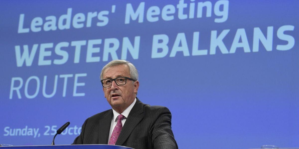 A cimeira tinha sido convocada por Juncker