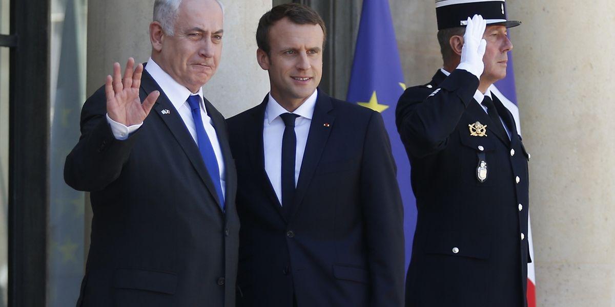 M. Netanyahu, auquel M. Macron a donné du «cher Bibi», a pour sa part salué le «geste très, très fort» que constitue selon lui l'invitation du président français.