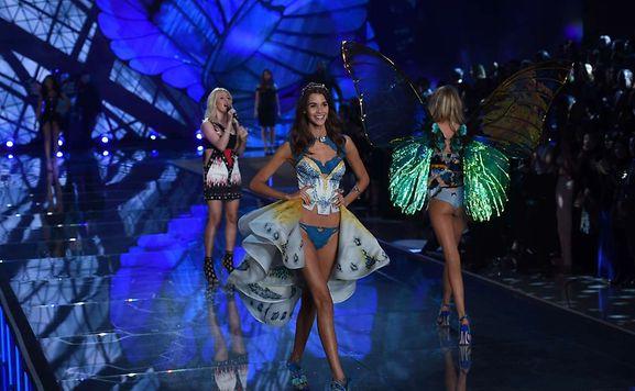 Le Victoria's Secret Fashion Show 2016 s'apprête à enflammer Paris