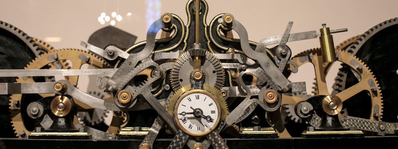 Ce superbe mécanisme horloger issu de l'église Saint-Michel, sur la place du Marché-aux-Poissons, a été présenté au public