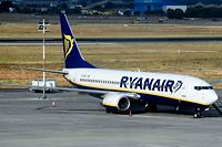 (FILES) In this file photo taken on July 25, 2018, a Ryanair plane sits on the tarmac at the airport in Valencia as the airline's cabin crew began a two-day strike. Ryanair on August 3, 2018, proposed third-party mediation as its Irish pilots went on strike for a fourth day, disrupting flights at Europe's biggest no-frills airline. / AFP PHOTO / JOSE JORDAN