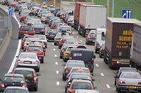 Le pont voit passer 83.000 véhicules/jour, dont près de 10.000 camions.