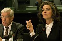 """Désirée Nosbusch hat von der Deutschen Akademie für Fernsehen einen Preis für ihre Rolle als Christelle Leblanc in """"Bad Banks"""" erhalten."""