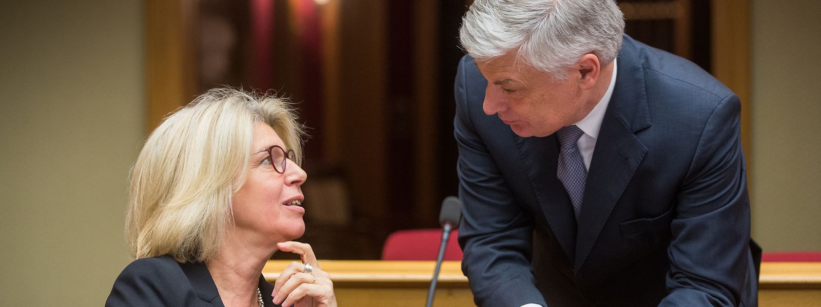 Françoise Hetto-Gaasch im Gespräch mit Claude Wiseler.
