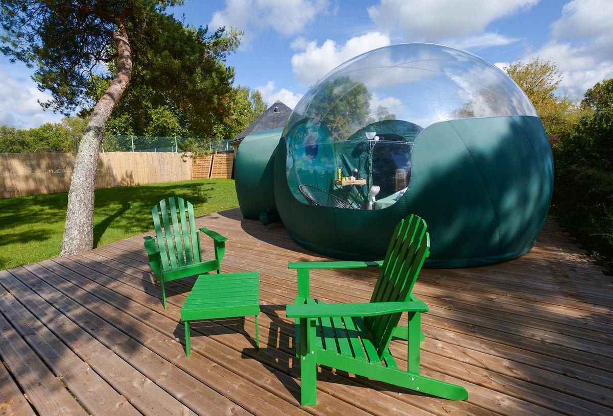 Das Bubble-Zelt in La Flèche ist nur zum Teil transparent - ideal für alle, die sich trotz Panoramablick nicht wie auf dem Präsentierteller fühlen wollen.