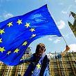 In Großbritannien gewinnen die Brexit-Gegner laut einer Umfrage die Oberhand.