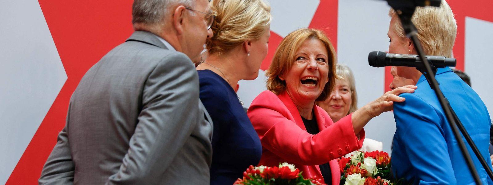 SPD-Ministerpräsidentin Malu Dreyer (Mitte) hat gut lachen: Ihre Partei schnitt auch in Rheinland-Pfalz sehr gut ab.