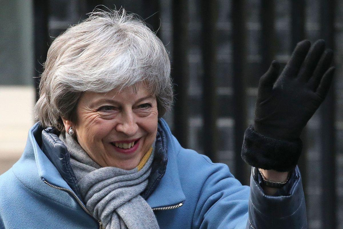 Gute Laune trotz zahlreicher Niederlagen: Premierministerin Theresa May am Donnerstag vor ihrem Amtssitz.