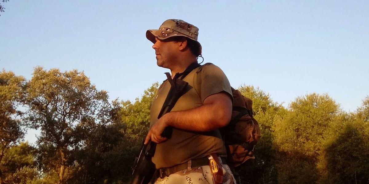 João Santos numa caçada nocturna de espera ao javali.