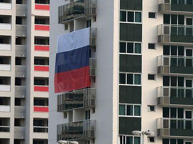 Eine russische Flagge im Olympiadorf in Rio.