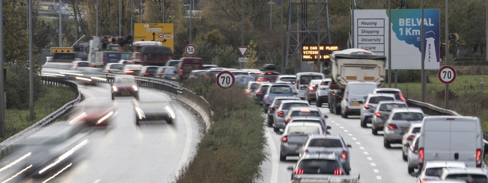 Am Ende der A4 vor dem Kreisverkehr Raemerich hatten sich in der Auswertungsperiode zwischen 2012 und 2014 mehrere Unfälle ereignet.