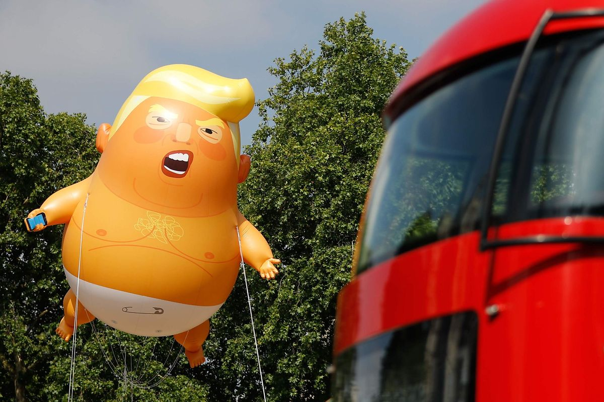 """Aktivisten starteten am Freitag wie angekündigt ihren """"Baby Trump"""" Fesselballon."""