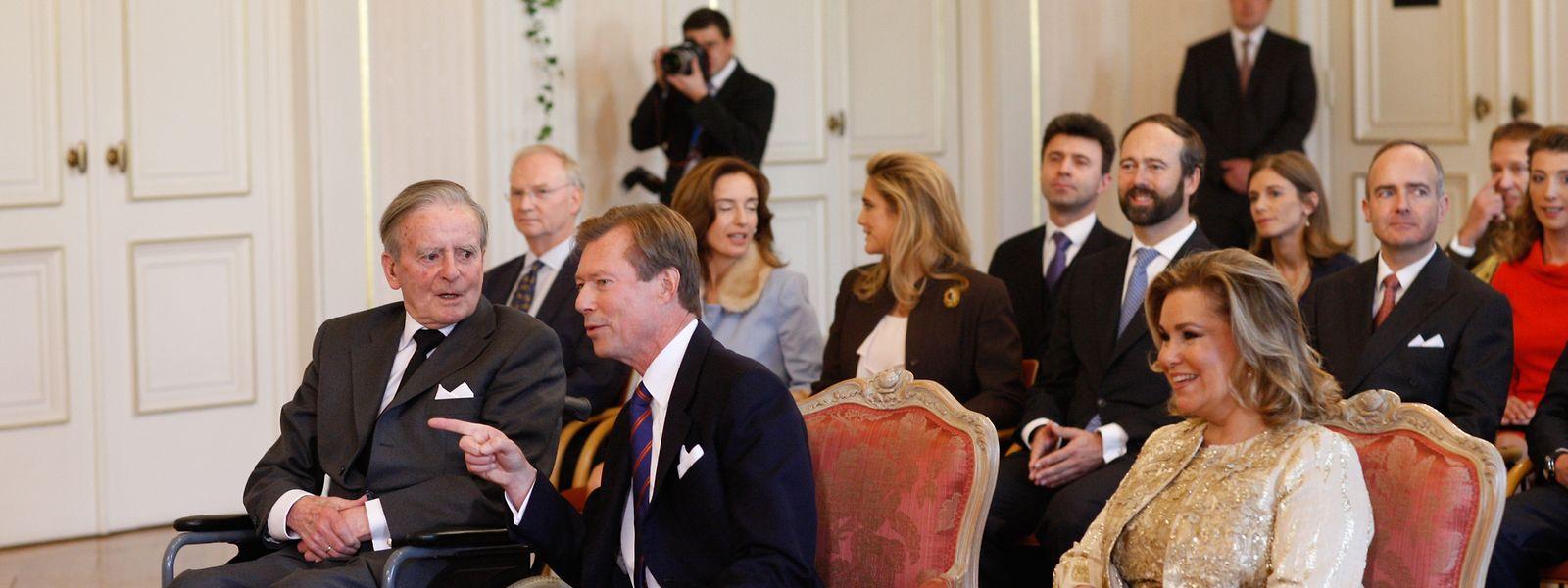 Le comte Philippe de Lannoy (à gauche) en octobre 2012 lors du mariage civil de sa fille à Luxembourg.