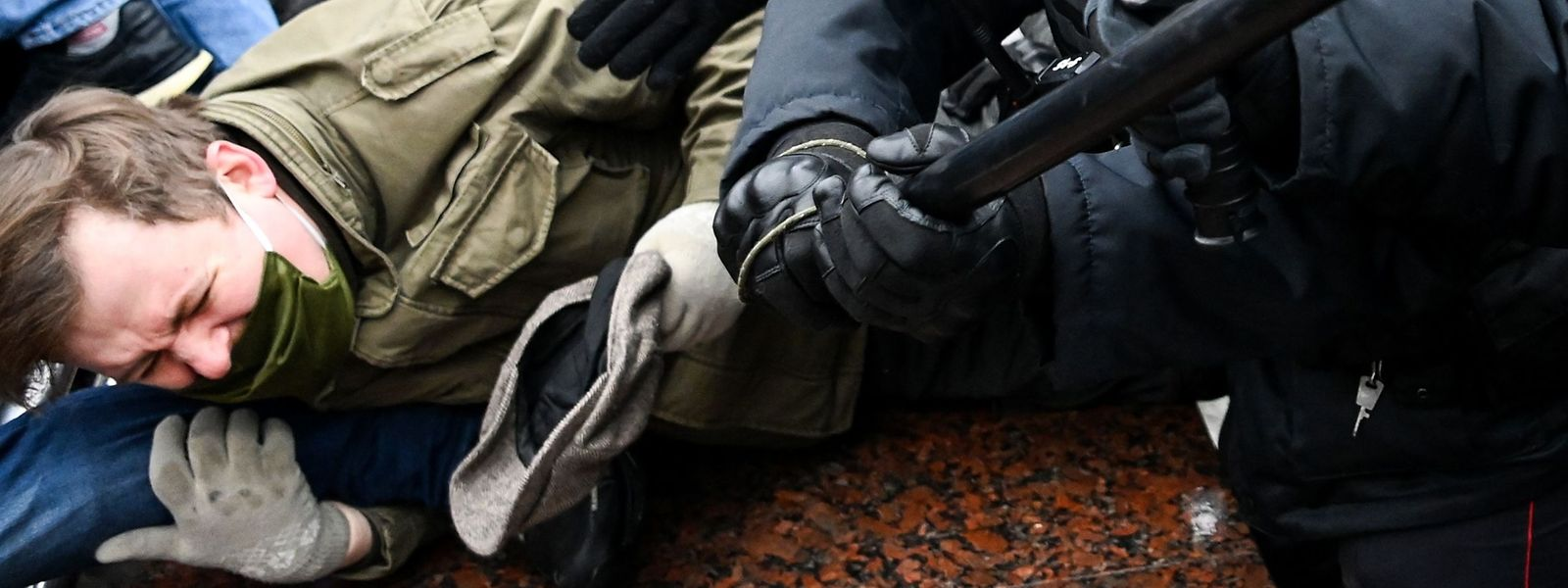 Zusammenstöße zwischen Polizei und Demonstranten im Zentrum von Moskau.