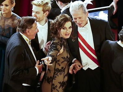 Austrian businessman Richard Lugner, Actress Brooke Shields and Austrian vice chancellor Reinhold Mitterlehner (L-R) during the opening ceremony of the Opera Ball in Vienna, February 4, 2016.  REUTERS/Leonhard Foeger