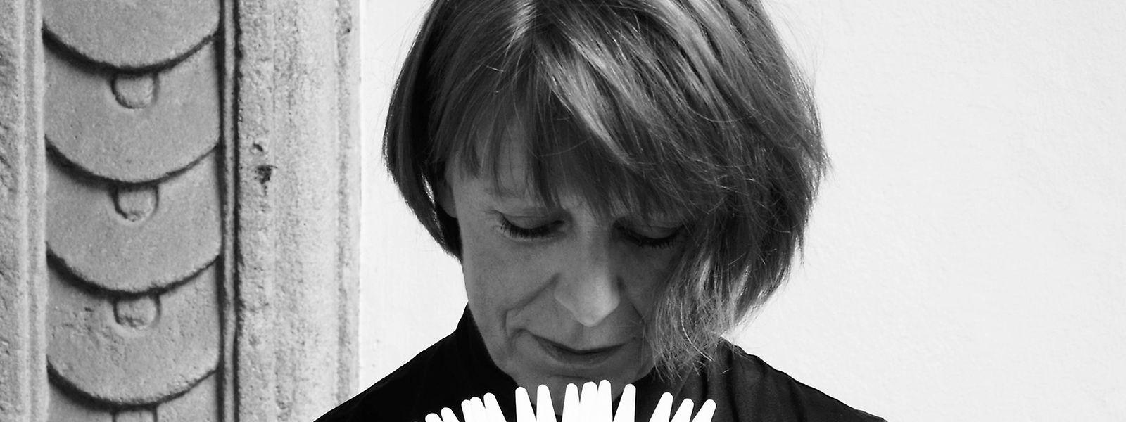 Diese Frau kann man(n) nicht so schnell an der Nase herumführen: Olfaktologin Françoise Donche.