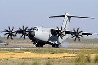 Nicht nur in der Bevölkerung umstritten: Luxemburgs eigenes Militärflugzeug soll 2019 geliefert werden.