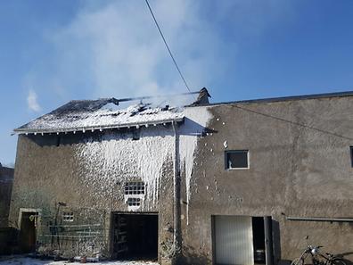 Die Scheune wurde ein Raub der Flammen.