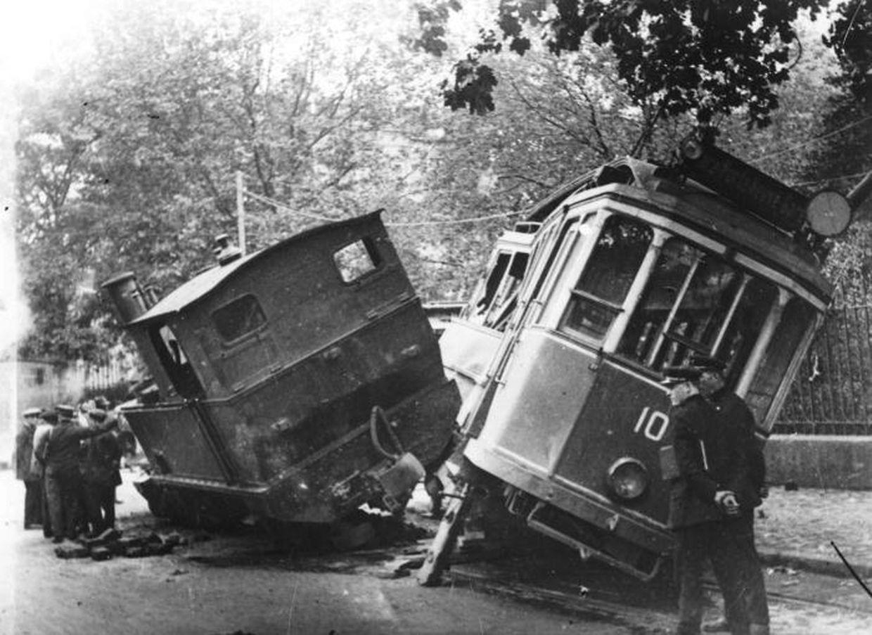 Collision entre «Chareli» et un tramway.