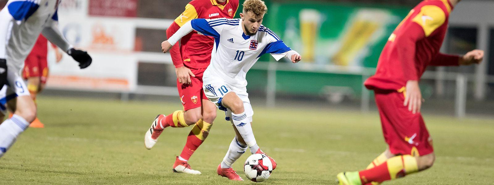 Belmin Muratovic (n°10) marcou o único golo do Luxemburgo, na sua estreia pelas Esperanças.