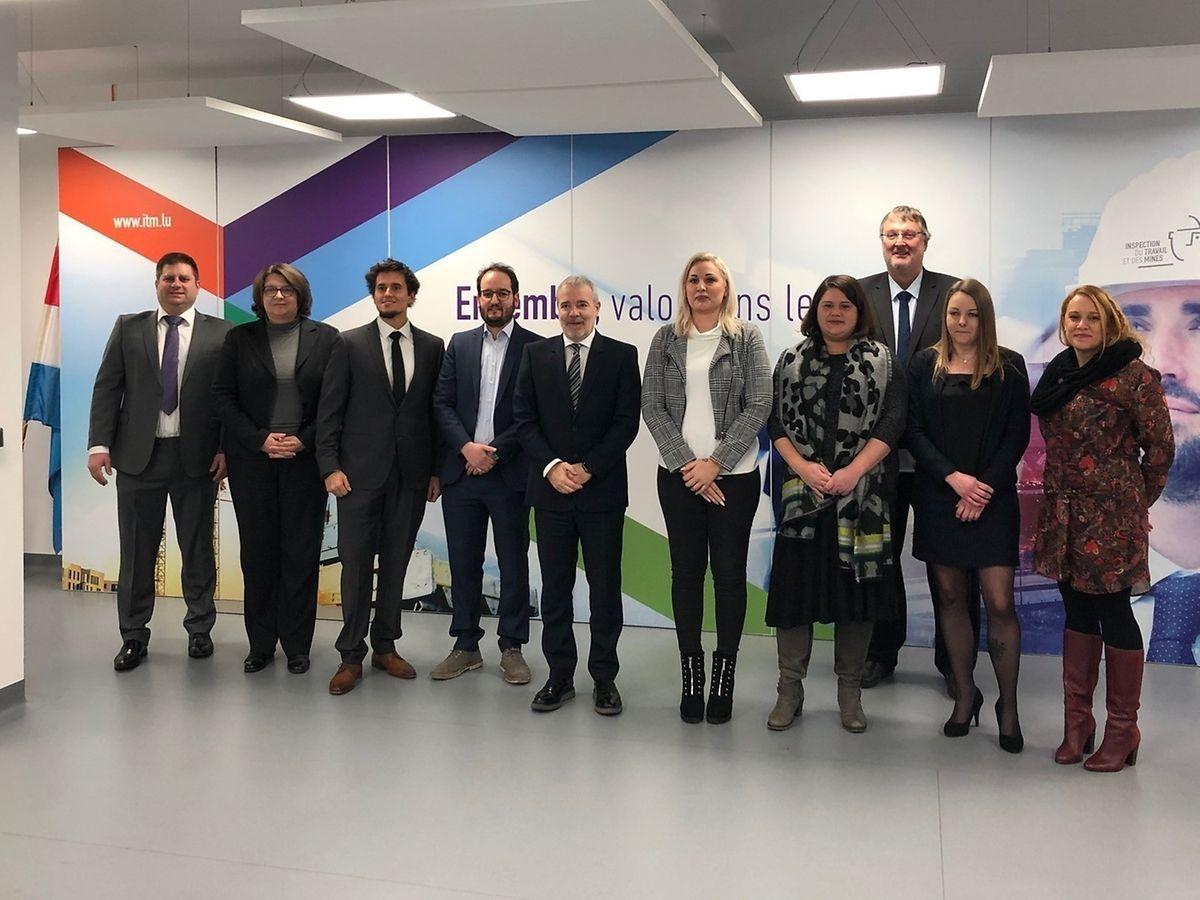 Le ministre du Travail, de l'Emploi et de l'Économie sociale et solidaire, Dan Kersch, en présence du directeur de l'ITM, Marco Boly, a assermenté neuf fonctionnaires, dont huit nouveaux inspecteurs du travail ce 5 décembre.