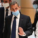 França. Ministério Público pede seis meses de prisão efetiva para Sarkozy