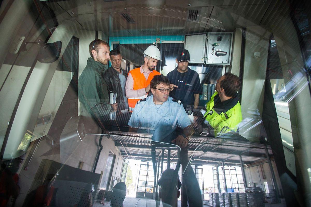 Im Führerstand können die Rettungskräfte sich in die Position des Tramführers hineinversetzen.