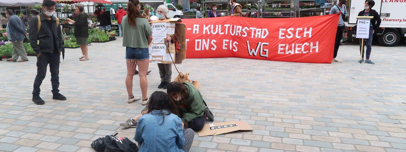 Am Freitag fand erneut eine Protestaktion wegen der WG-Regeln vor dem Rathaus statt. Dieses Mal fand sie aber weniger Anklang.