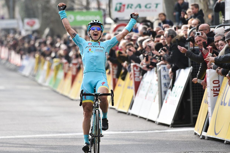 Alexey Lutsenko (KAZ/Astana) gewinnt die 5. Etappe von Paris-Nice