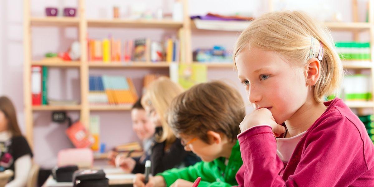 Alors qu'au Luxembourg on compte en moyenne 9 élèves par enseignant, ils sont 15 en moyenne dans les pays de l'OCDE.