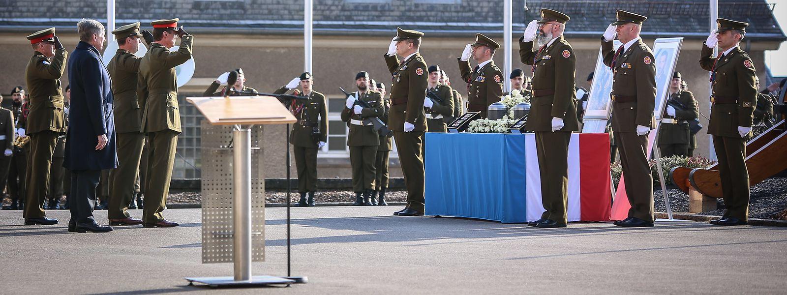 Le Grand-Duc, le prince Sébastien, accompagnés du ministre de la Défense, François Bausch, et du chef d'état-major de l'armée, général Alain Duschène, ont assisté à la cérémonie.