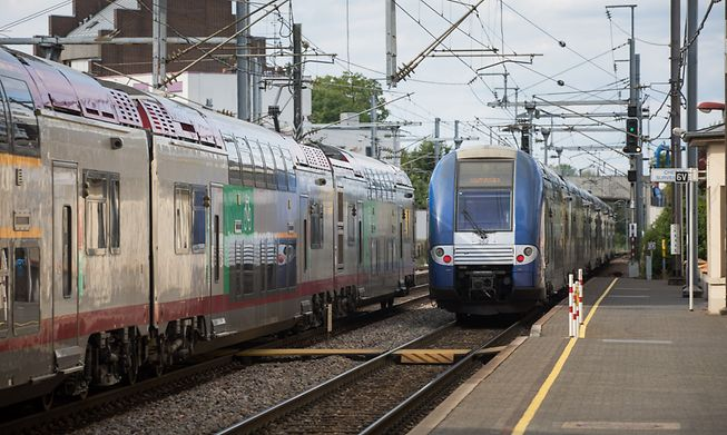You can ditch the car and visit quite a few places by train, with a switch at main terminals in Trier and Metz and direct trains to places in Luxembourg, Belgium and Paris