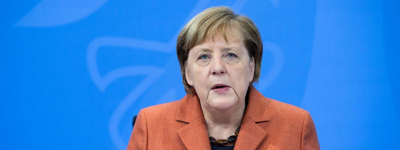 Bundeskanzlerin Angela Merkel (CDU) äußert sich nach der Schaltkonferenz von ihr mit den Ministerpräsidenten der Länder bei einer Pressekonferenz im Bundeskanzleramt zum weiteren Vorgehen in der Corona-Krise.