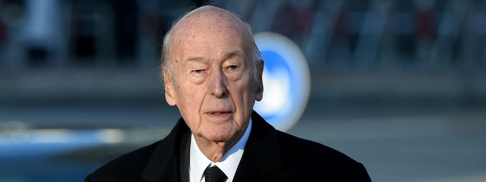 Valéry Giscard d'Estaing, ehemaliger französischer Staatspräsident, soll eine Journalistin unsittlich angefasst haben. Der 94-Jährige weiß nichts davon.